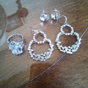 Jewelry - Pretty little things. Earrings and a  Size 7 Ring